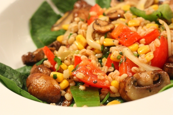 barley , spinach , pepper salad